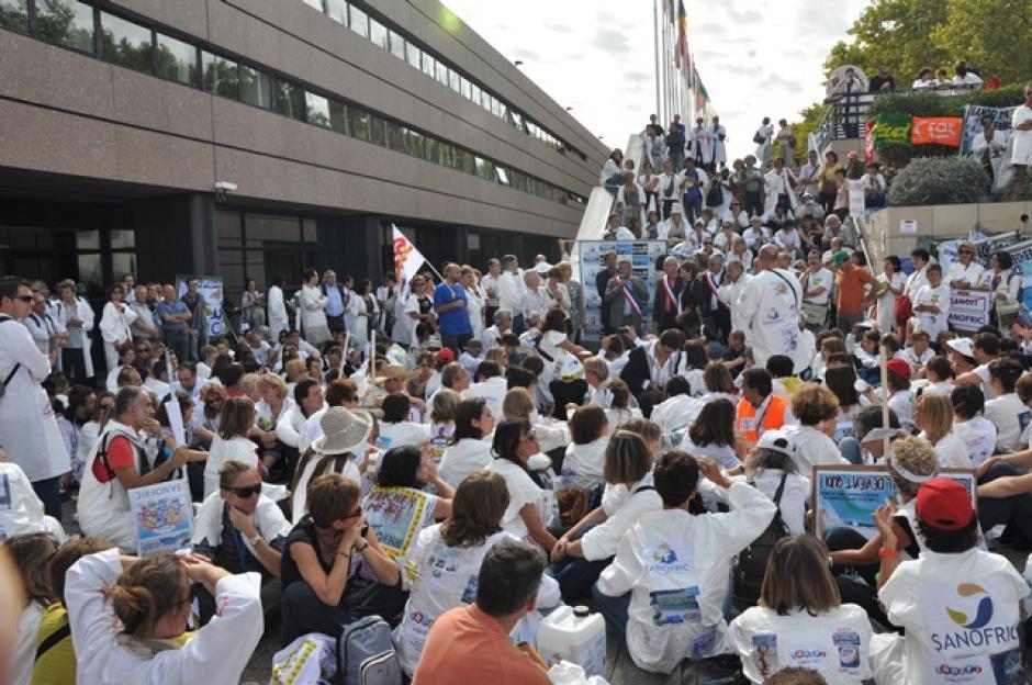 Situation sociale à Sanofi et dans la Recherche publique : le groupe communiste de Montpellier saisit MM. les Présidents de la Région Languedoc Roussillon et de l'Agglomération de Montpellier.