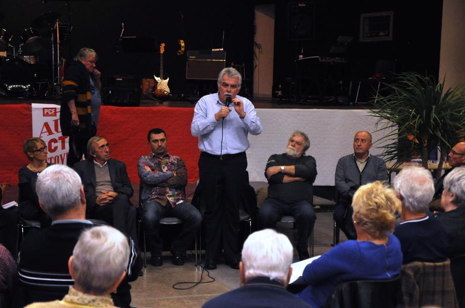 Le débat d'André Chassaigne avec les syndicalistes à Frontignan.