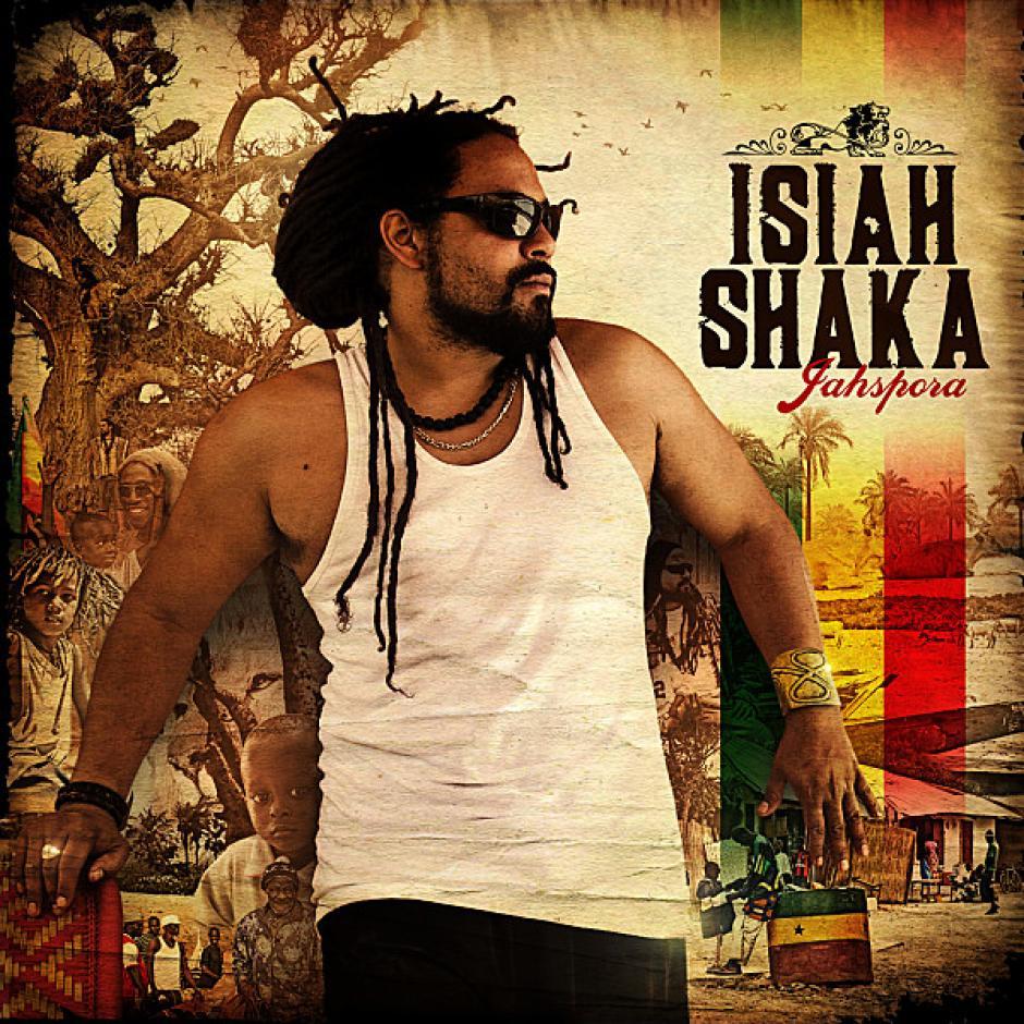 19h : On reprend des forces : pour les nourritures terrestres, les stands sont là, et pour l'ambiance, c'est ISIAH SHAKA qui assure.