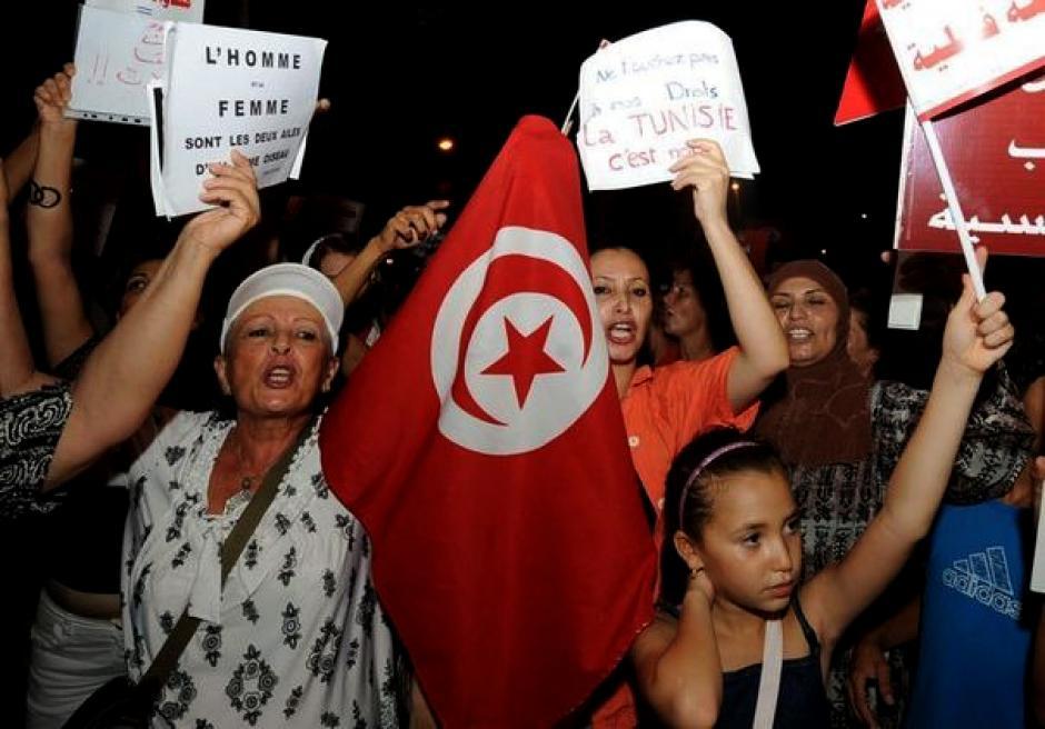 Tunisie: le PCF est solidaire du mouvement démocratique des femmes